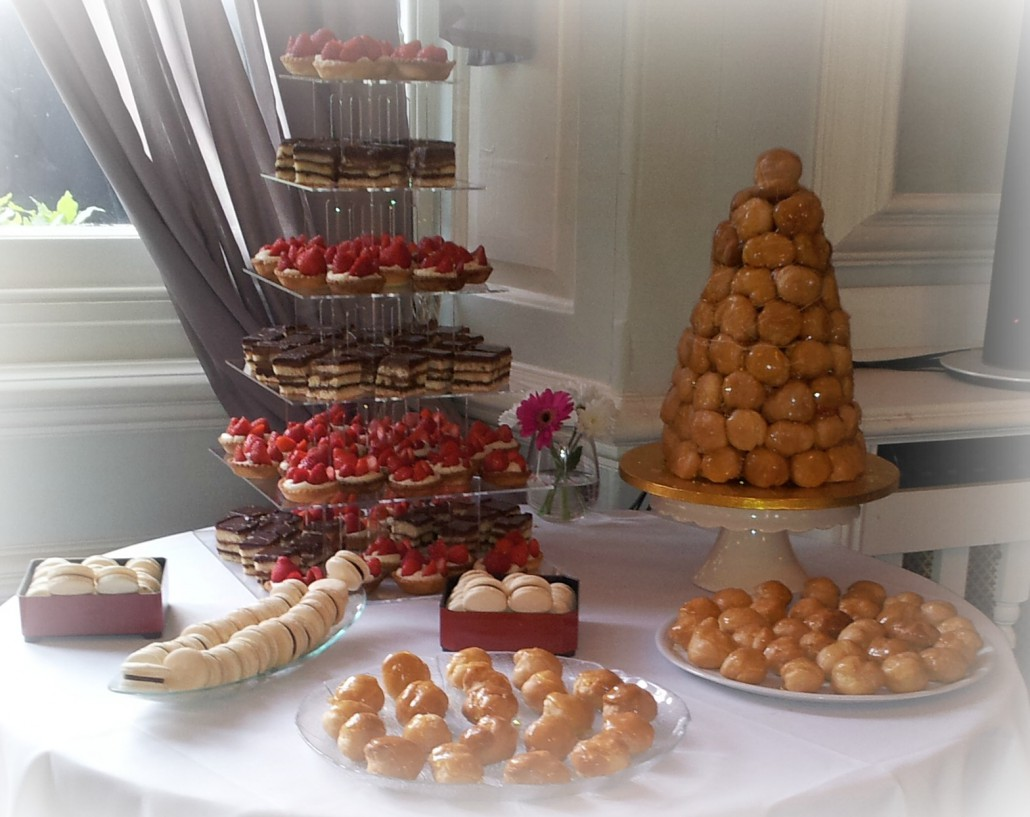 Gorgeous french style wedding cakes for Table theme gourmandise