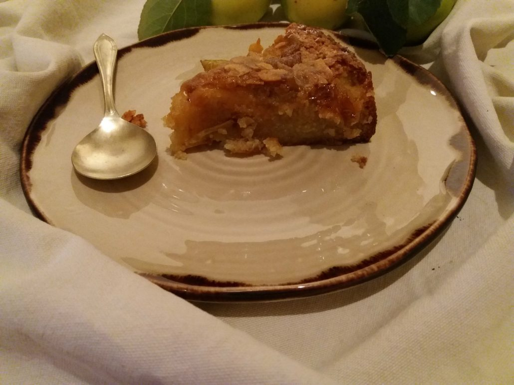 "alt=""caramelised apple cake"""